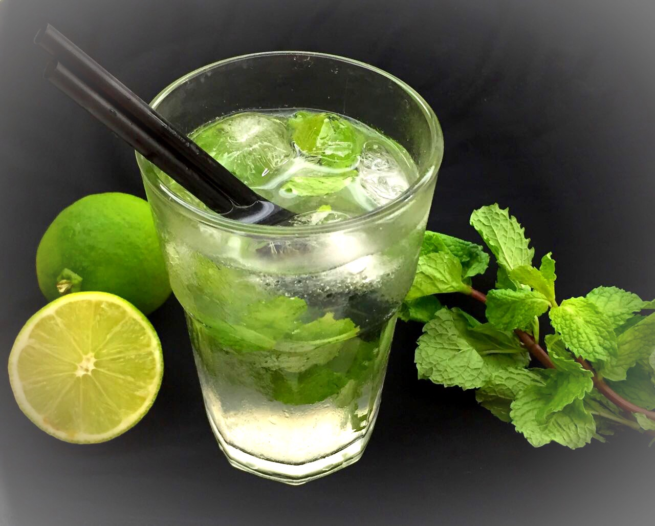 Água de Coco com Lima e Hortelã - Blog da Spice