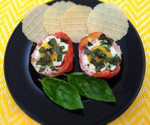 Tomates recheados com ovo e manjericão - Blog da Spice