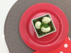 Ovos de codorniz com pesto de amêndoas - Blog da Spice
