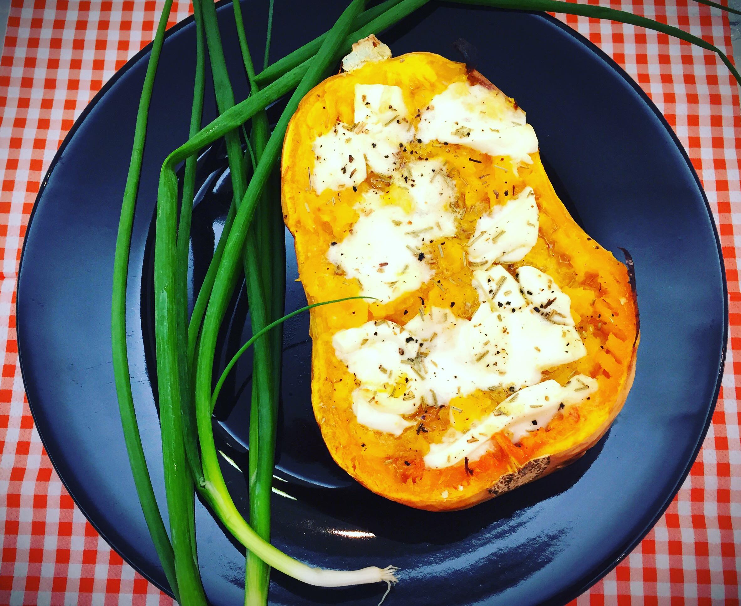 Abóbora assada com queijo chévre e alecrim - Blog da Spice