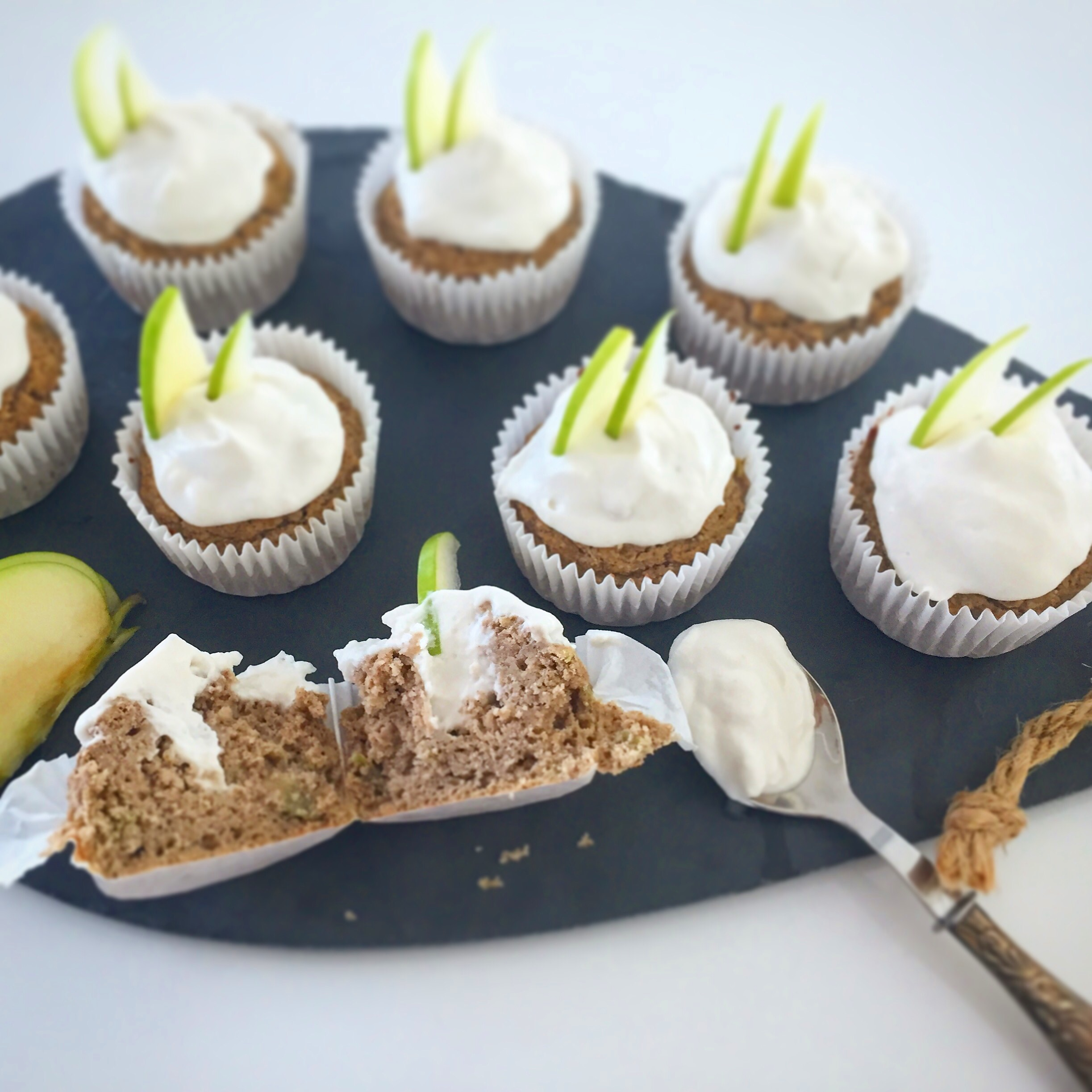 Cupcakes de maçã verde com recheio de baunilha - Blog da Spice