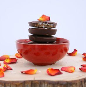 Bombons de Chocolate com Recheio de Coco e Menta - Blog da Spice