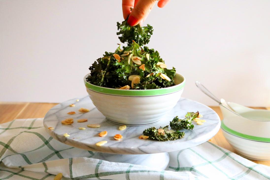 Chips de Kale com soja e amêndoas - Blog da Spice