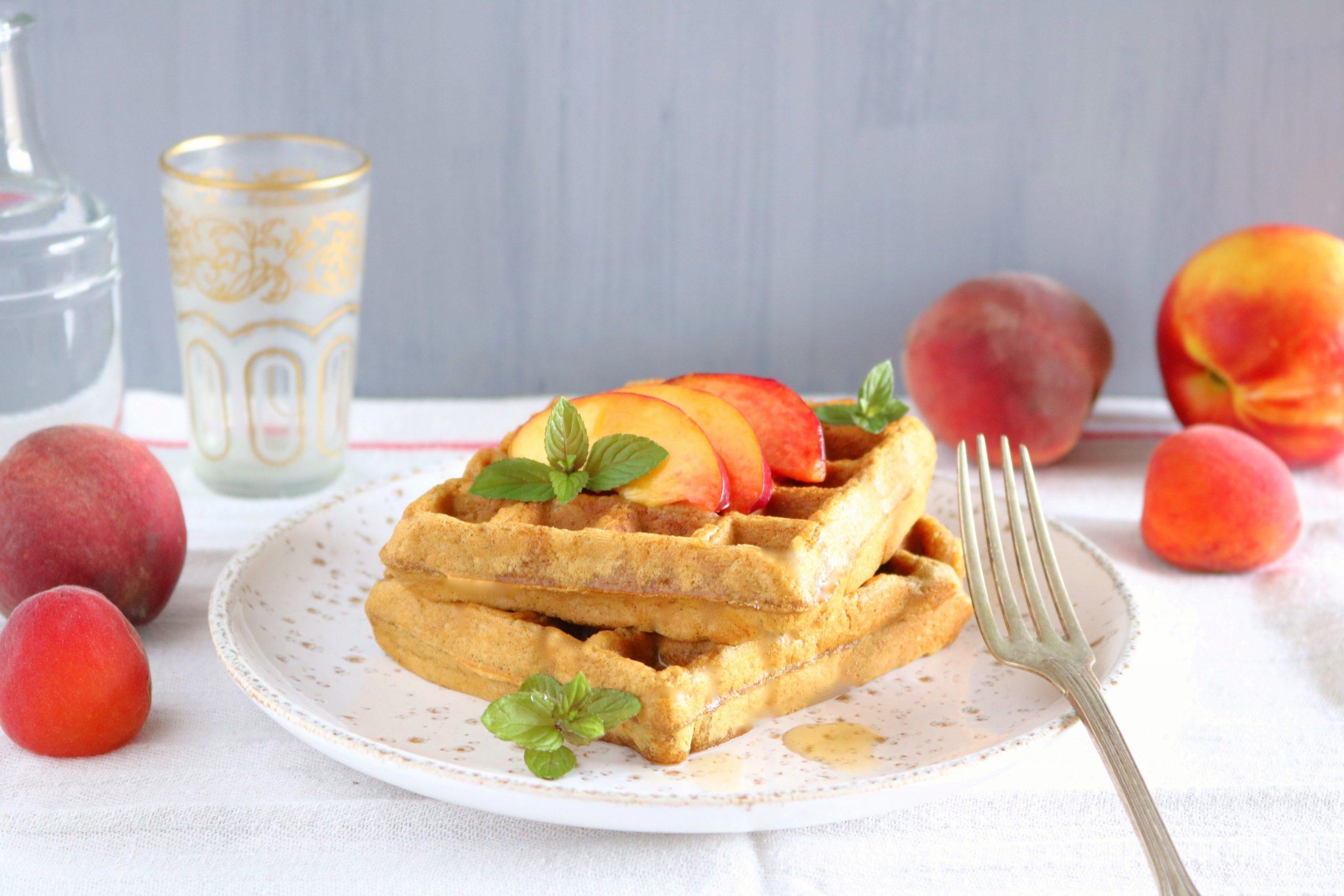 Waffles de aveia e pêssego - Blog da Spice