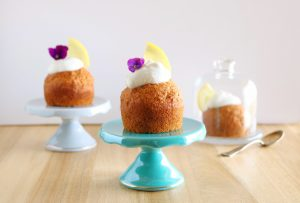 Muffins de limão com chantilly de coco - Blog da Spice
