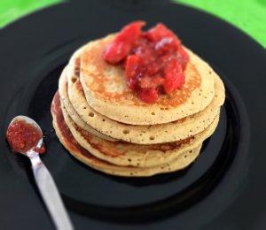 Panquecas de caju com doce de goiaba - Blog da Spice