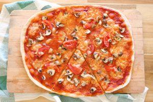 pizza de massa fina